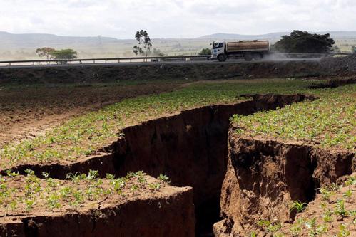 La grieta en Kenia (África) partiendo el continente en dos.